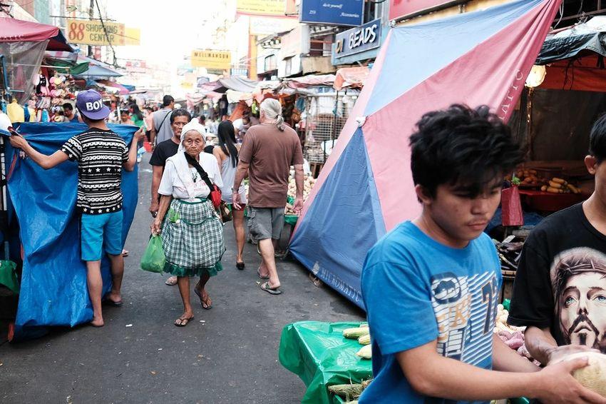 Fujifilm Streetphotography LitratistaSaDaan EyeEm Street Streetview Eyeem Philippines Showcase: January Philippines Colours Streetphoto Streetcolour Streetphoto_color Quiapo QuiapoManila