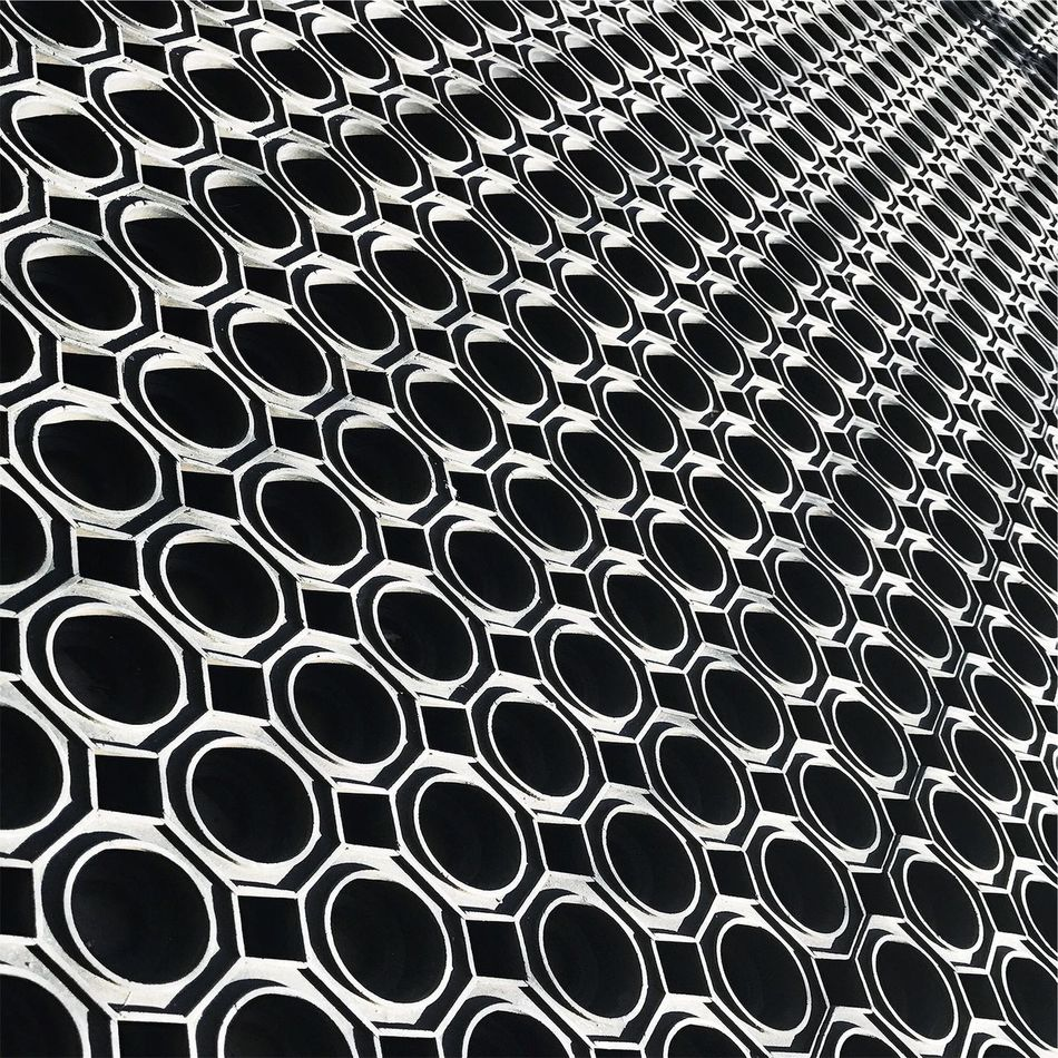 :: psychedelic mat :: Bnw Bnw_captures Blackandwhite VSCO AMPt_community Geometric Shape Minimalism Lookingup