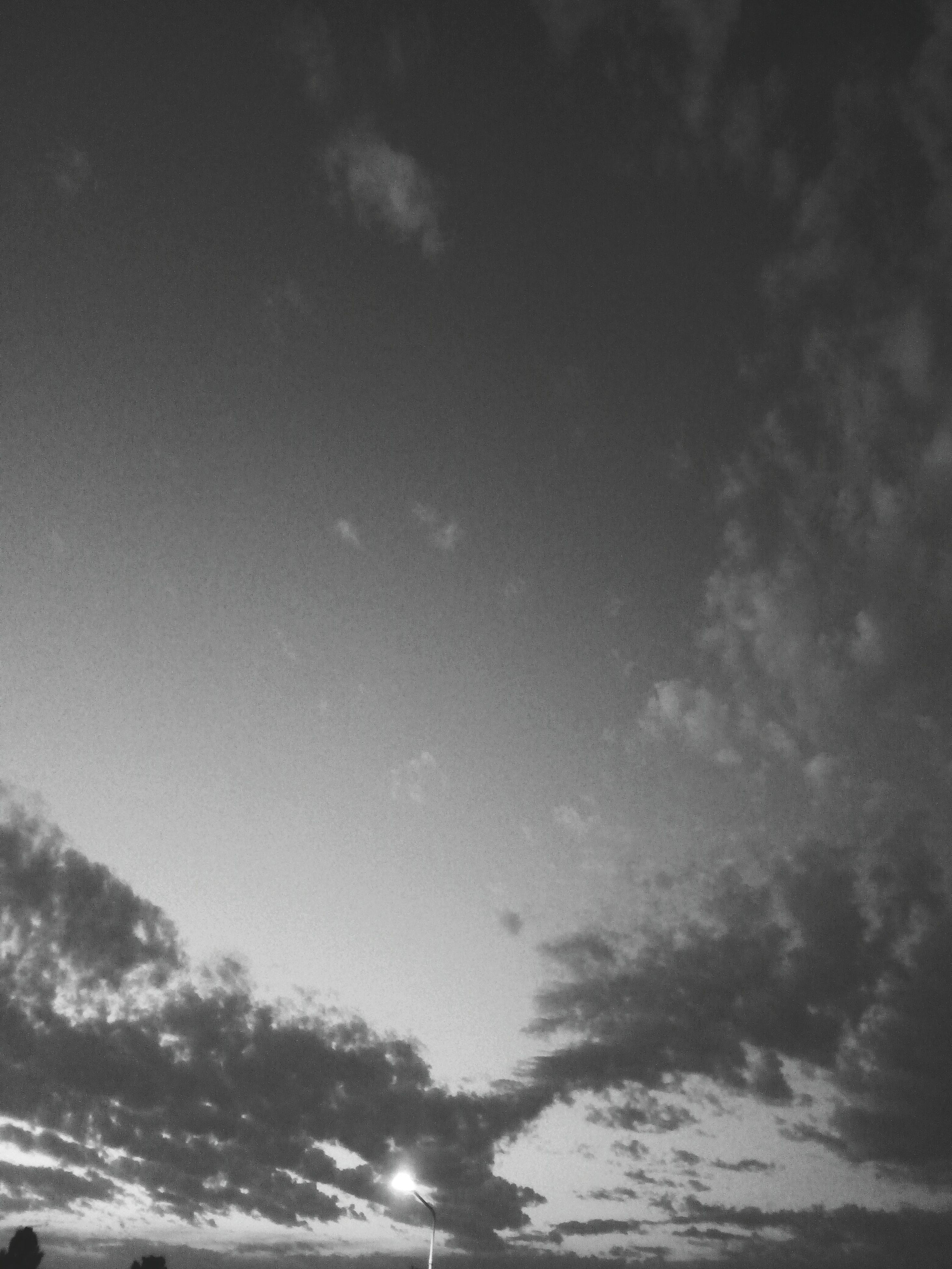 sky, low angle view, nature, no people, beauty in nature, outdoors, scenics, day