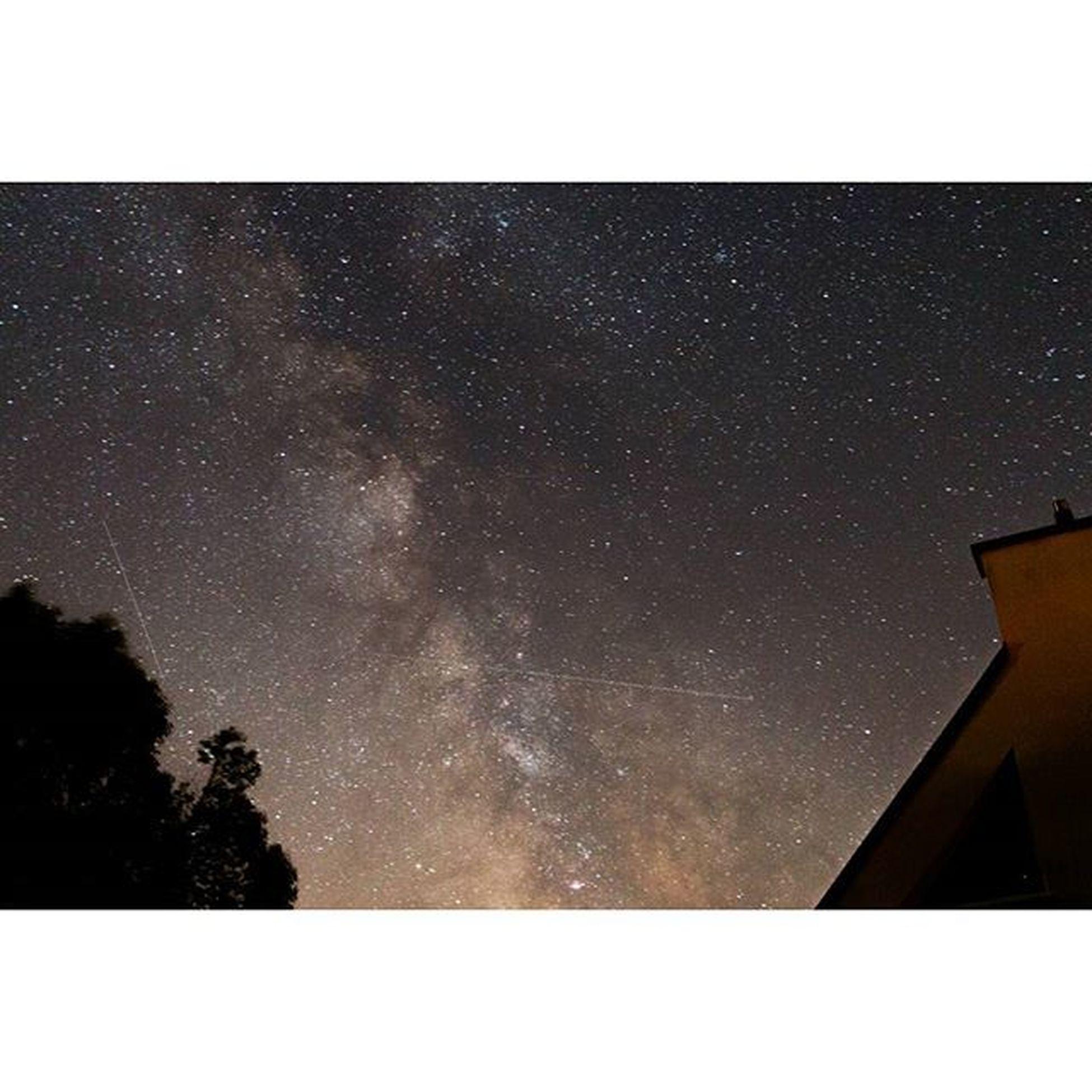 Milkyway Pleubian Larmorpleubian Brittany Bretagne Night Lowlight Dark Darkness Light Nacht Licht France Frankreich Sterne  Sternenhimmel Stars Milkyway Milchstrasse