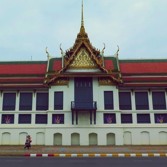 Streetphotography Street Travelshots Travel Photography Bangkok Thailand Spires Culture Thai Architecture Thai Tradition Architecture Architecture_collection Windows Rooftop