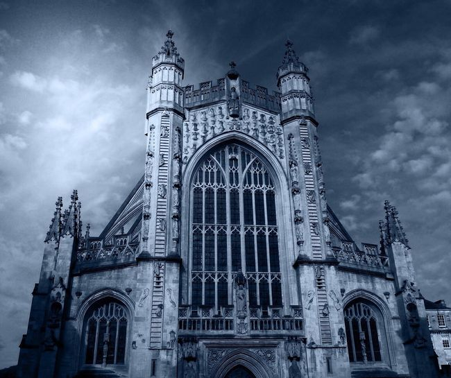 Bath Abbey Sky Architecture Built Structure Low Angle View Building Exterior Cloud - Sky Travel Destinations Religion No People Arch Rose Window Outdoors Spirituality Place Of Worship Day
