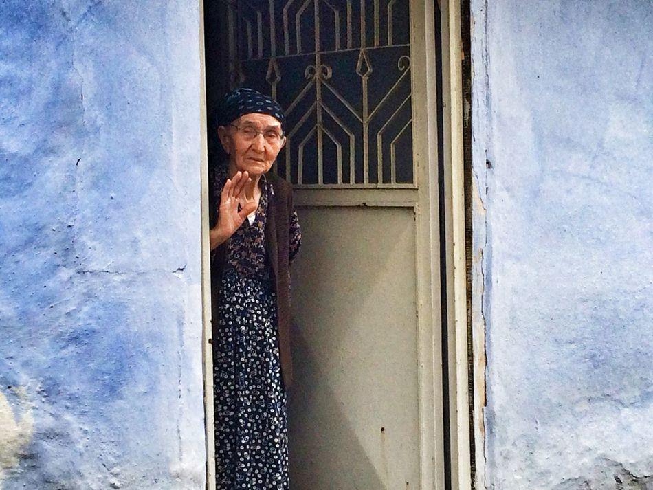 Ayşeteyze Gecmis Insanlar Blue Yanlızlık Popular Photos Popular Kadrajcadisi