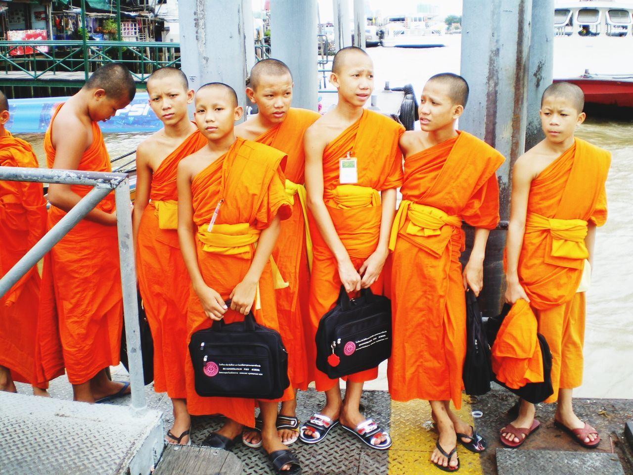 The Photojournalist - 2016 EyeEm Awards The Street Photographer - 2016 EyeEm Awards EyeEm Gallery Thailand Monks Student Life Students The Week Of Eyeem The Week On Eyem Urban My Commute The Following 43 Golden Moments EyeEm X Mashable - My Commute