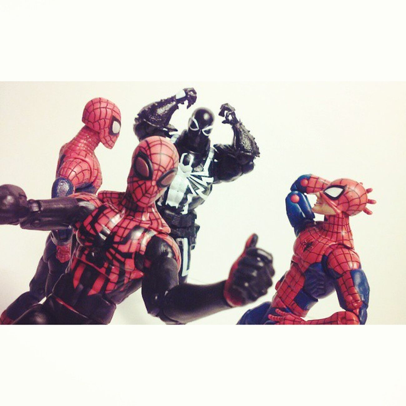 W-whos the real spidey!? Spiderblood Spidey Spiderman Hasbro Amazingspiderman Classicspiderman Surperiorspiderman Amazingspiderman2 Infinitieseries Disney Marvellegends Marvel Marvelcomic Manchild Partytime Webwarriors