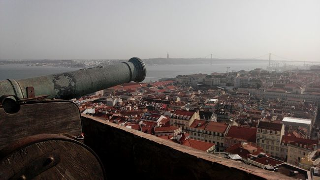 Rio Tejo Lisbonview River View City View  City Landscape Castle View  View From The Wall View From The Castle Castelo De São Jorge Portugal Walking On The Wall Lisbonne Lisbona Lisboa Castelo Lisbon Travel Photography Castelosdeportugal Castle Walls Castle Bird Eyes View City Cannon Cannons Gun