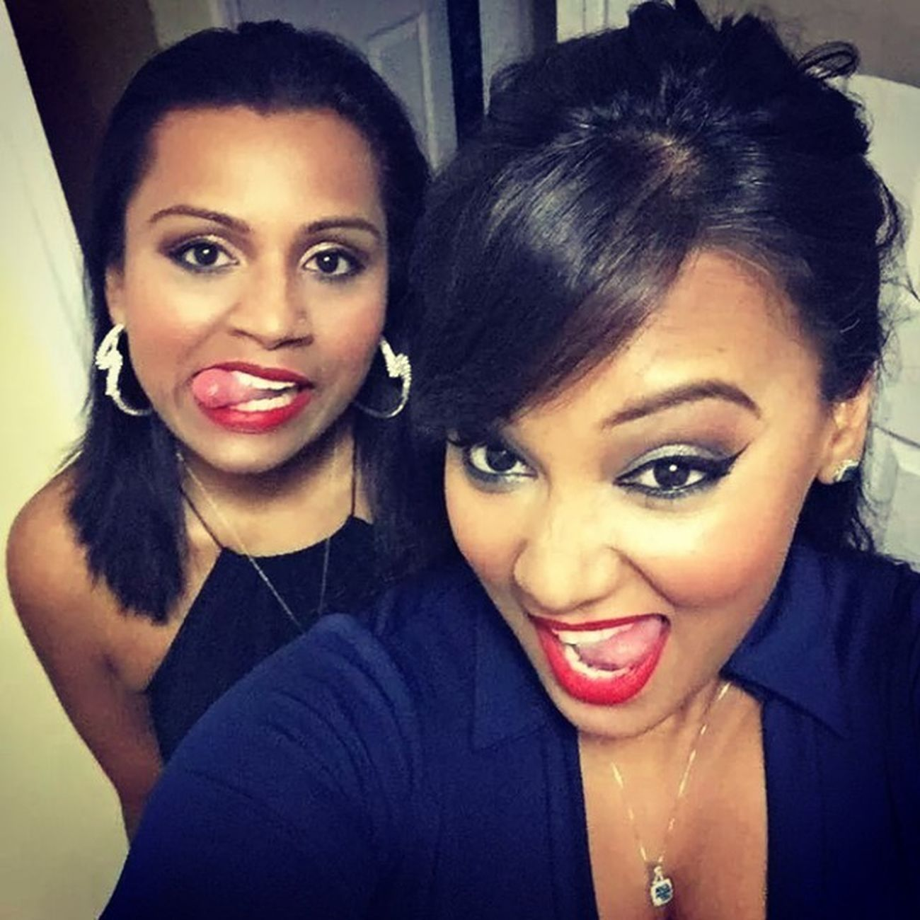 """@ms._new_york said """"let's take a slefie!"""" Selfietime Theendresult Mysister Fromanothermister poseoff tongues picturetime makeuponpoint preclub beforethemadnessbegan ZenLounge Queens Nigels21stBirthdayFete"""