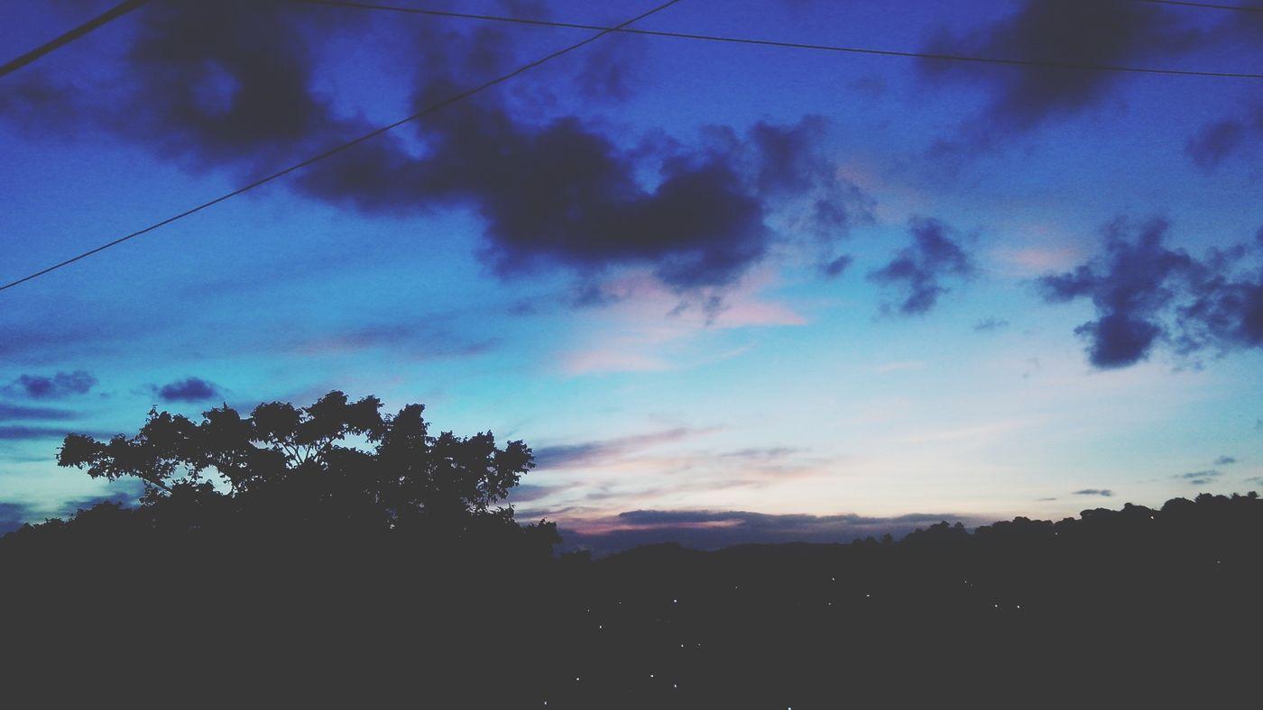 maravilhoso Céu Azul. Céu E Nuvem Céu Lindo! Céus