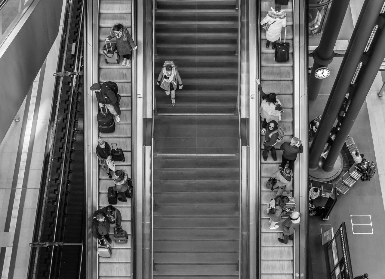 escalator, steps and staircases, steps, staircase, real people, large group of people, women, lifestyles, indoors, men, day, people