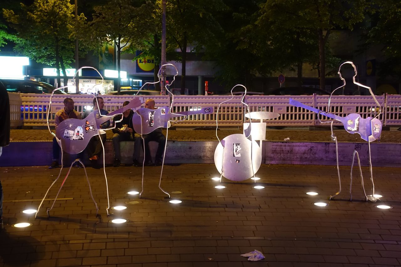 Reeperbahn Beatles Beatles Statues Beatles4ever Illuminated Night No People Outdoors Reeperbahn  Scupture