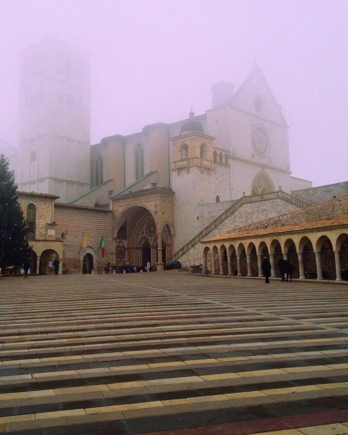 Foggy Found On The Roll The Architect - 2016 EyeEm Awards Architecture Building IPhoneography History Assisi Town The Past Fog Vanishing Point Travel Destinations Tourism Diminishing Perspective