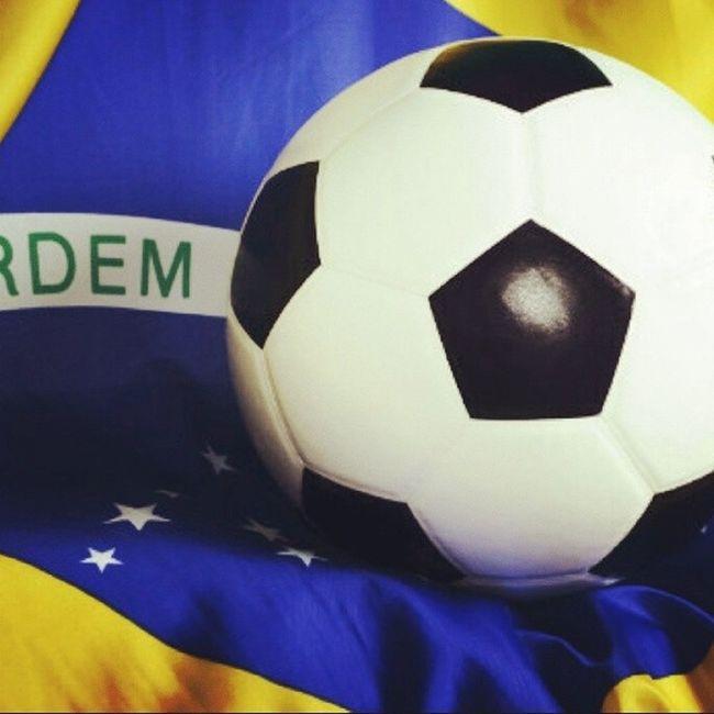 Faltam 3 jogos para o título. VAIBRASIL Rumoaohexa Fifa FIFAworldcup CopaDasCopas Copa2014 Copadomundo