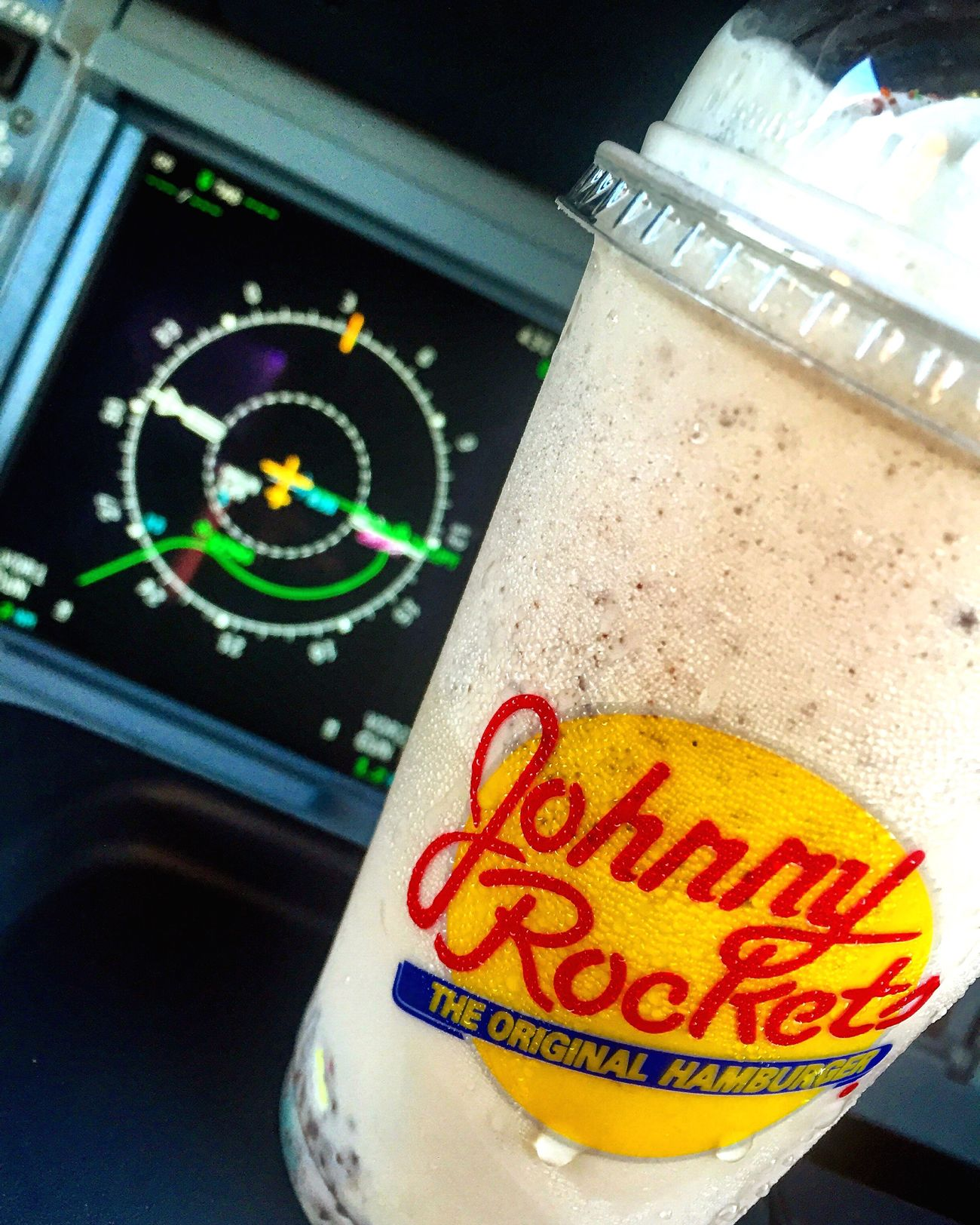 Jhonnyrockets Snack Time! Flying Flying High Working Working Hard Food Delicious Hungry Milkshake Milkshake♥ Love To Take Photos ❤ Pilotlife Crew Crewlife Photooftheday Photography