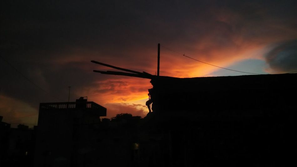 Clouds On Fire Taking Photos Hello World Taking Photo Shadows & Lights Clouds And Sky Sunset Eyem Best Shots Eye4photography  EyeEm Gallery Eyemphotography Eyem Collection Popular Patna Bihar India Check This Out Beauty In Nature