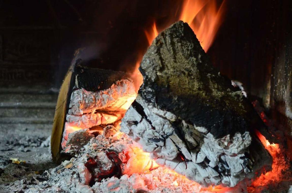Fire Flame Flames Fuoco Fuoco🔥 Fuoco✌️ Rosso Fuoco Rossofuoco Fuoco E Fiamme Caminetto Cenere