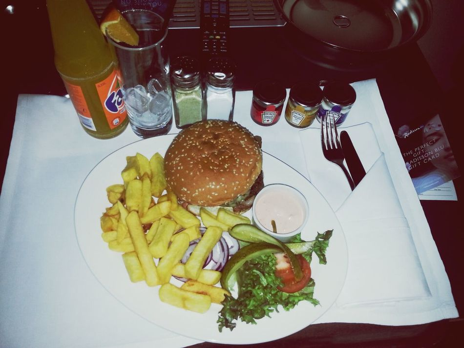Bacon Cheeseburger - medium. With chunky fries and the best home-made mayonnaise ever. Yum :-) Radisson Blu Arlandia