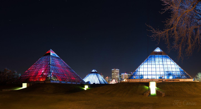 Landmark of Edmonton, AB Muttart Conservatory Pyramids Glasspyramid Nightphotography Photowalk NikonD800 Shabeeb Rizvi Long Exposure Slow Shutter Panorama