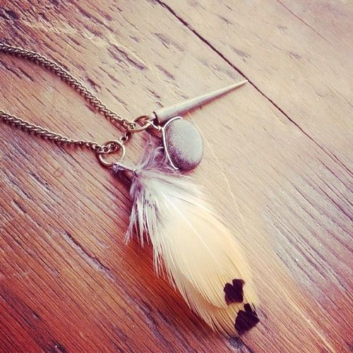 Beautiful burnt umber pheasant feather necklace with bronzite & cone charms Huntress Handmade Hunterswife Huntingjewelry countrychic cowgirl countrygirl countryjewelry bohojewelry boho feathernecklace featherjewelry jewelryaddict