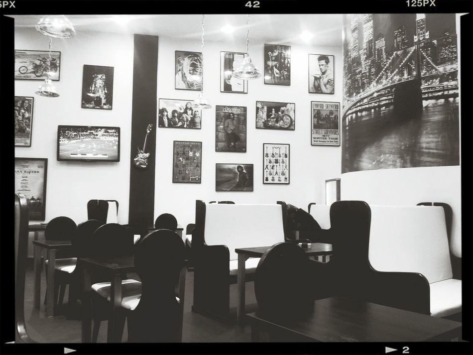 observations.... Hard Rock Cafe Black & White