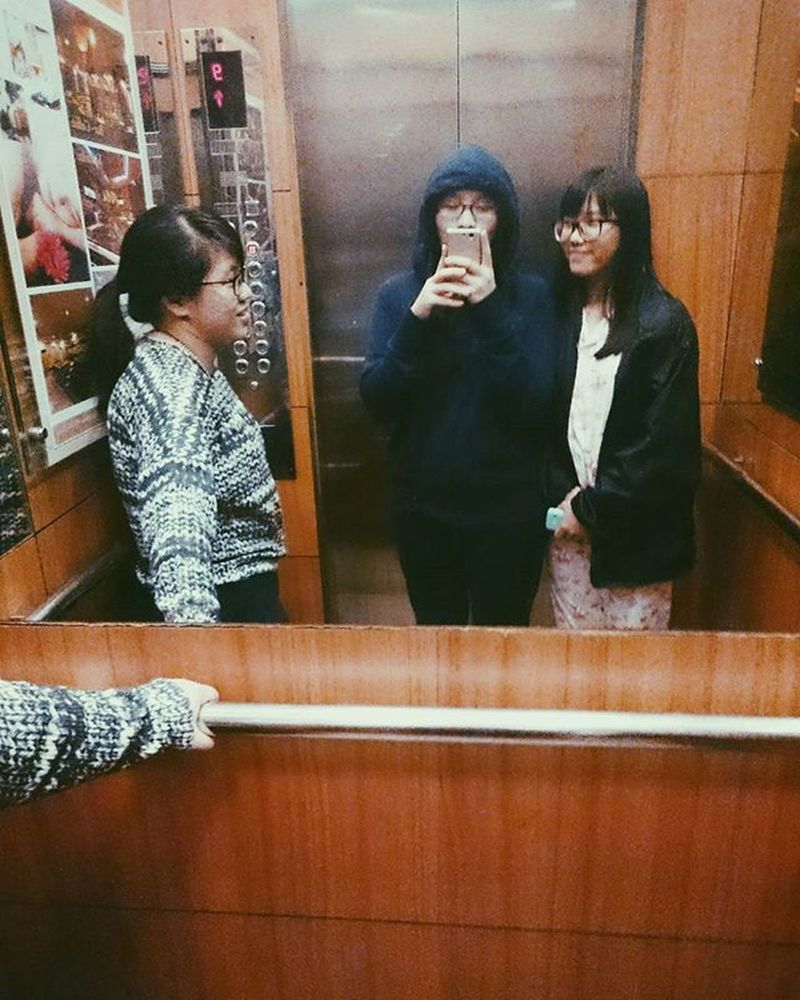 Its been a year... Kind of miss those days 😢 . . . Tb Friend Friendship Checkin Elevator Midnight Riverskyroll Vscocam Vscodaily Instadaily NghệAn Trip Miss Selfie Pyjama