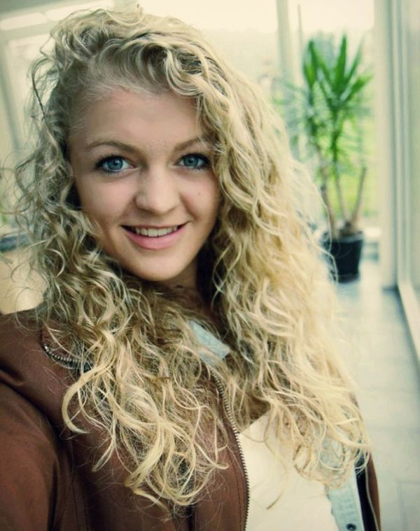 Selfportrait Alexandra Livehappy Smiling