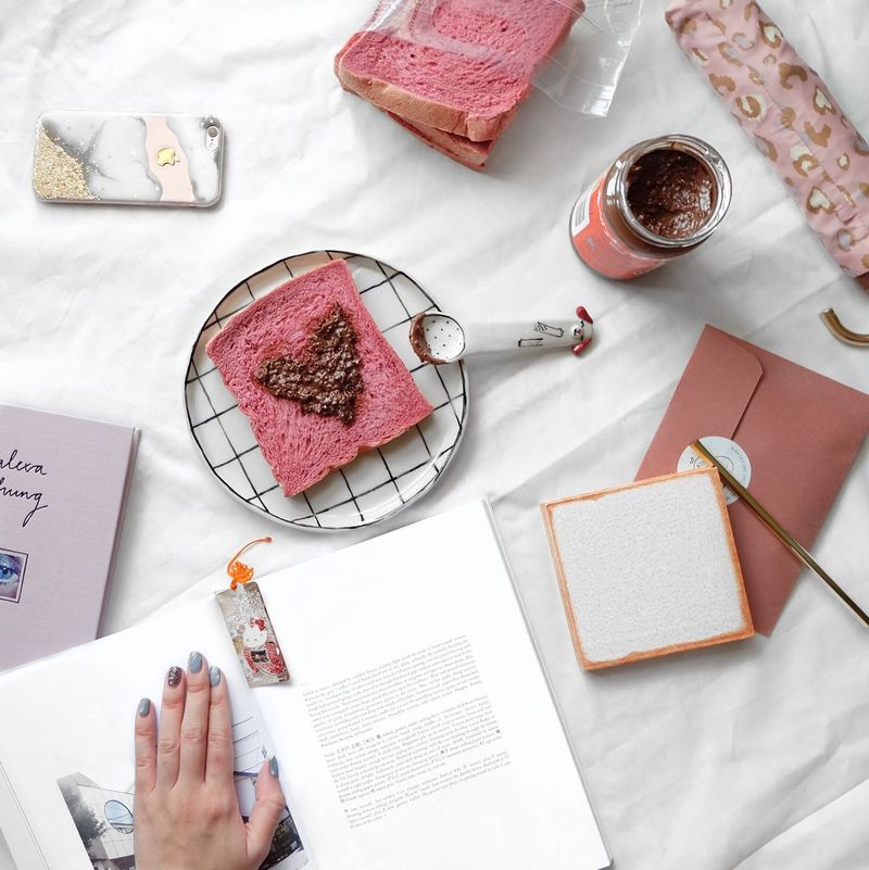 Tried out the Ovaltine crunchy with the beautifully yummy beetroot & red velvet bread. 🍞 Breakfast Breakfast Time Flatlay Flatlays Food And Drink Whywhiteworks White Food High Angle View Blackandwhite Minimal Miniature Minimalobsession Minimalism White Background Minimalist Monochromatic