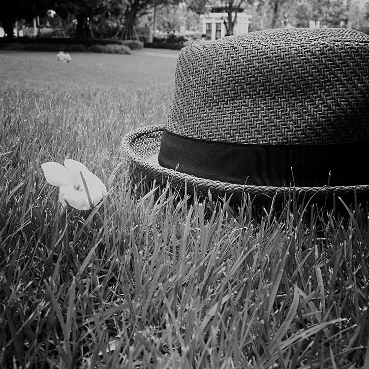 Olds day Oldpicture Lonely Missing Hat Blackandwhite Olddays #Natural #great