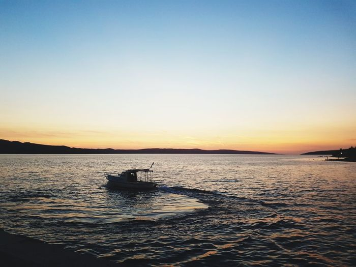 Sunset Horizon Over Water Clear Sky Scenics Ship The Way Forward Butiful Day In Croatia No People