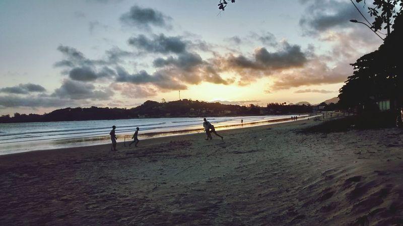 SantaMonicaGuarapa Slowmotion Sunset Playing