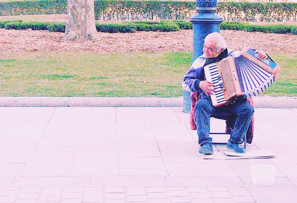 Hello World Taking Photos Travel 4YearsAgo Walking Around Street Photography Madrid SPAIN Musician
