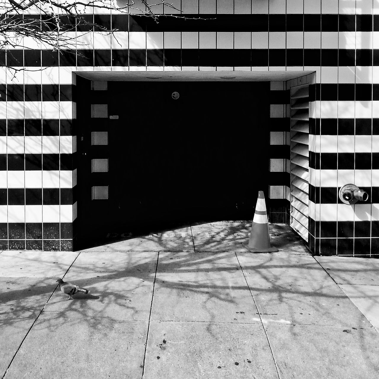 Architecture Building Exterior California Day Doors Mobilephotography No People Samsung Samsung Galaxy S III San Francisco Shadow Snapseed Street Life Street Photography