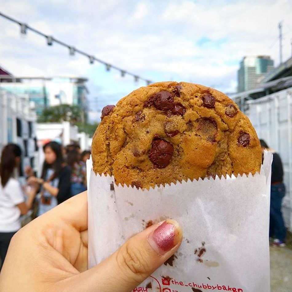 life is short surround yourself with good people and only eat good cookie. Ffxfood