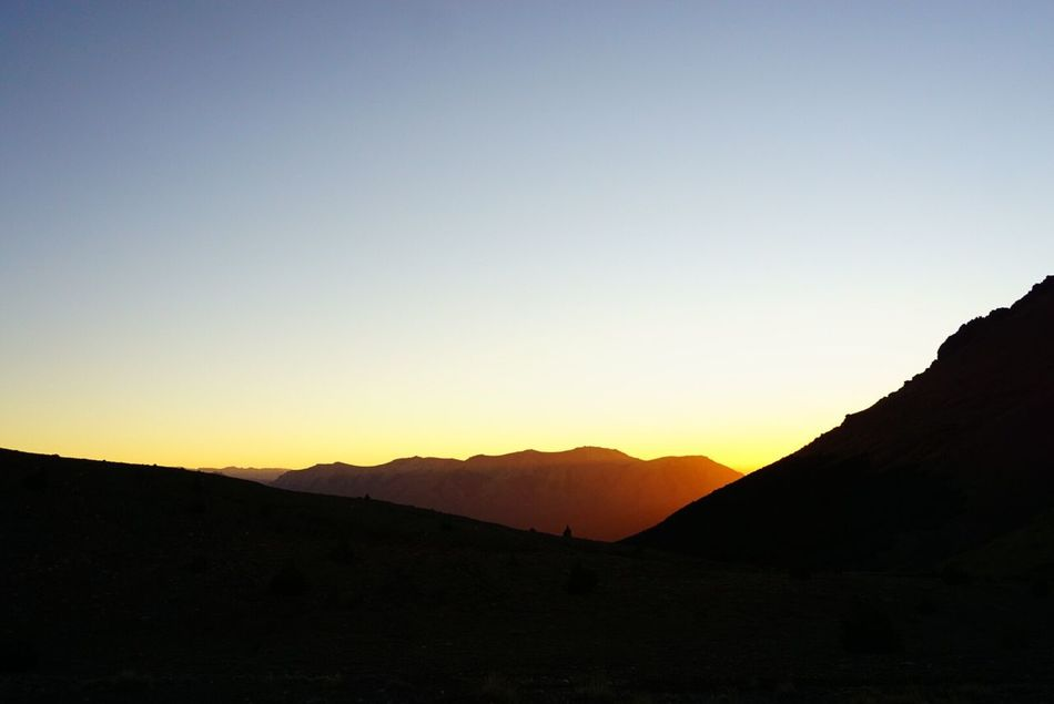 Light Clear Sky Scenics Landscape Mountain Mountain Range Silhouette Outdoors Sun Sunrise Beauty In Nature EyeEm Nature Lover Nature Peace Tranquility Calm Dreaming Argentina Copy Space Idyllic Sunset No People