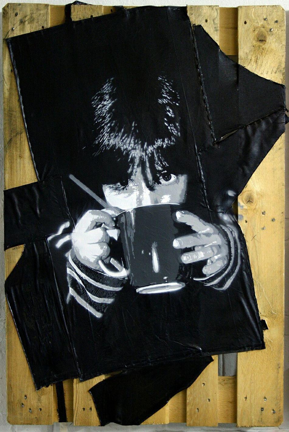 """Aus meiner Stencil-Reihe """"Essen und Trinken"""" das Portrait 'LENA' - Sprühlack auf Leinentaschen/Europalette (120x80cm) Kunst EssenUndTrinken Foodporn Tee Trinken Stencilart Stencil Art Welovehh Hamburg StencilArtist"""