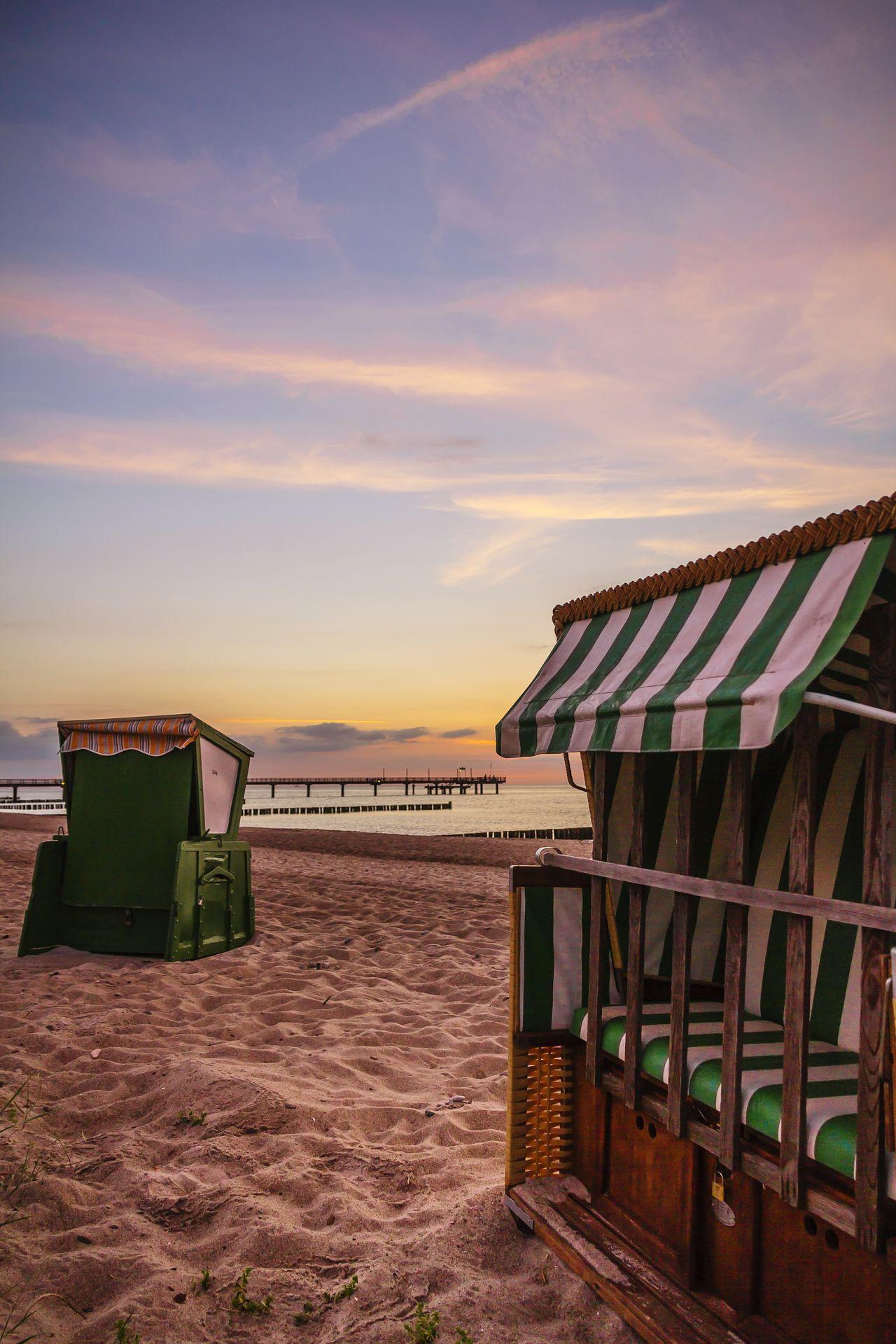 Heiligendamm Ostseeküste Waves, Ocean, Nature Ostsee Sea And Sky Beach Urlaubsstimmung Strand Sunset Sunrise Urlaubserinnerungen Küstenpanorama Wellen Waves Strandkorb Seebrücke Sand Abendstimmung