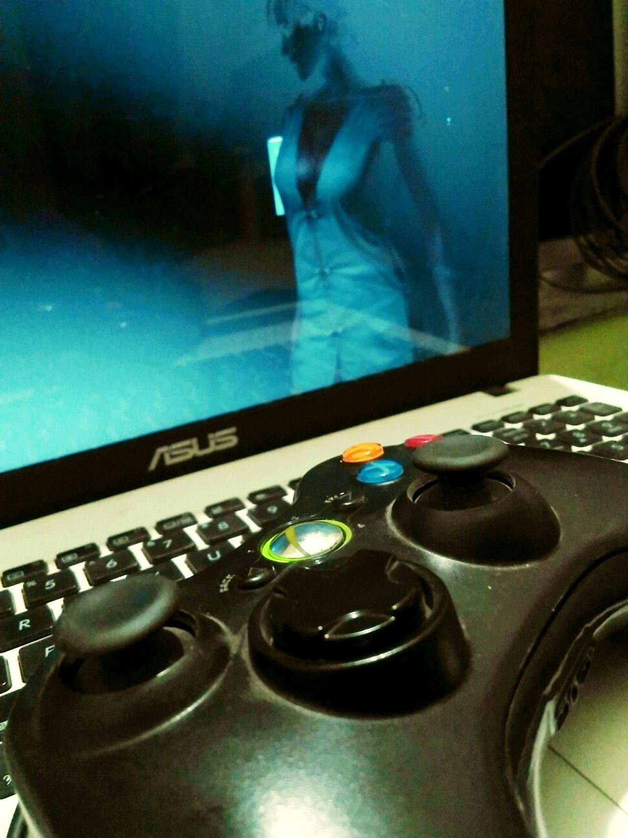 Nightlife Technology Close-up Gaminglife Gamer Game Night Gamer4life Gamerswag Gamerboy Xbox Controller Xbox360controller Xbox✌ Xboxgamertag Xboxonegames Resident Evil Asus