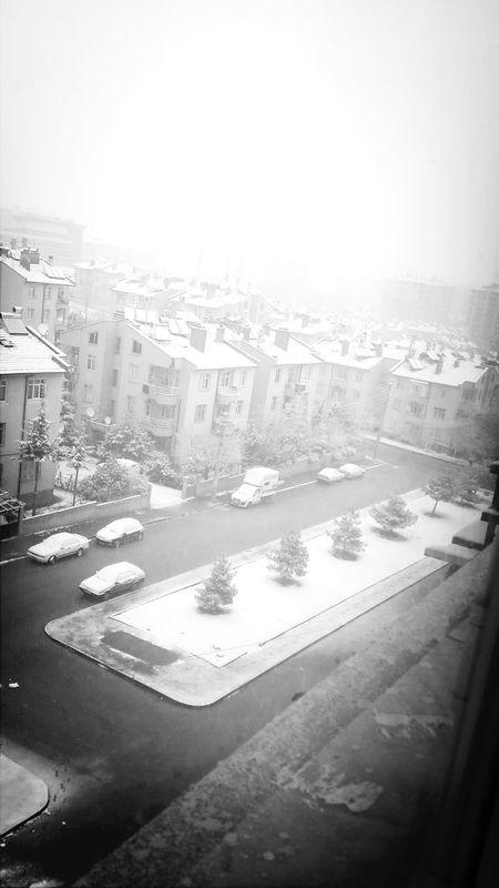 Günaydın :) Karlı Güne Merhaba :))