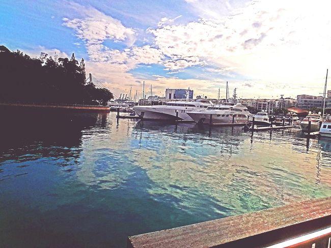 Harbour yatchs...
