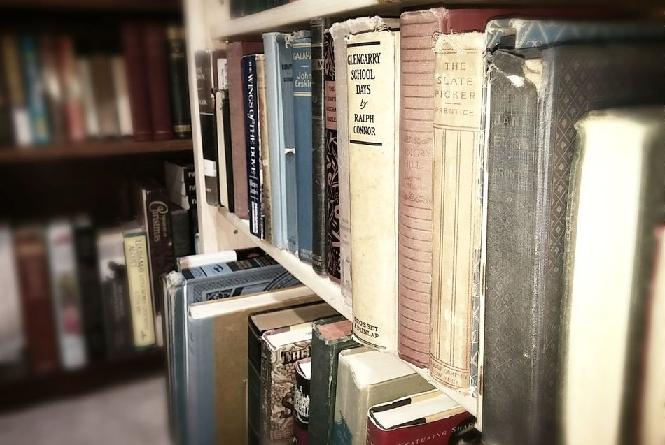 Bookshelf Shelf Book Indoors  Library Learning No People In A Row Books Bookshelf Old Bookstore Book Store Bookshop Books To Read Book Shop Book Shelves Bookshelves Bookcase Antique Vintage