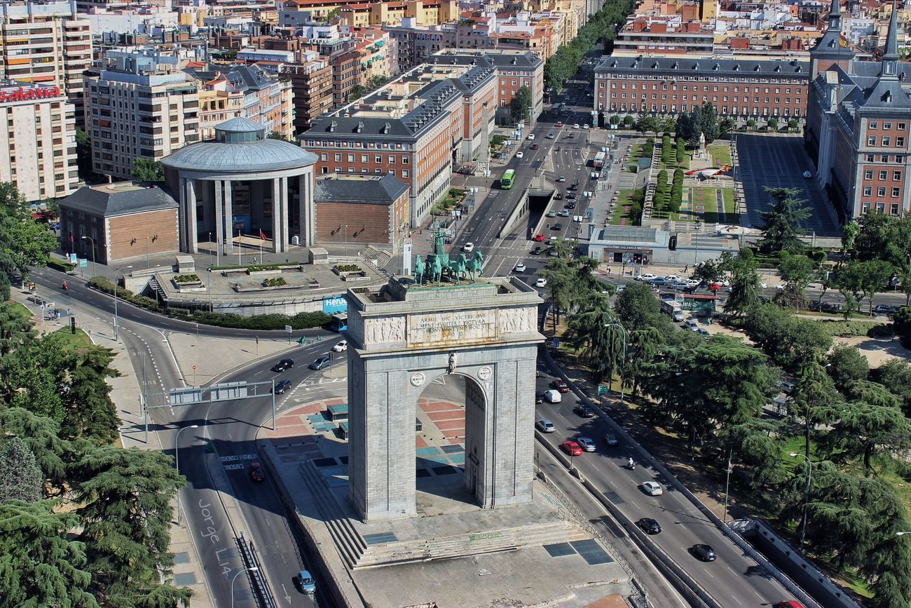 Moncloa, Madrid SPAIN Architecture Street Photography Taking Photos Jorge L. Canon EOS 600D DSLR Enjoying The View Urban Geometry Españoles Y Sus Fotos