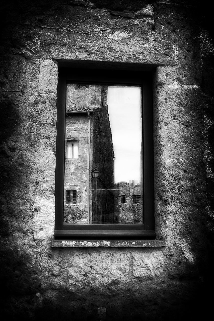 window, architecture, abandoned, built structure, indoors, no people, day, close-up
