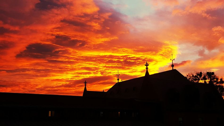 EyeEmBestPics First Eyeem Photo Cloud - Sky Dramatic Sky Beauty In Nature Sky Silhouette Orange Color Nature Outdoors Romantic Sky Sunrise Red Sun Roter Himmel Red Sky Red Sky In The Morning Goslar Goslar Germany Niedersachsen Scenics