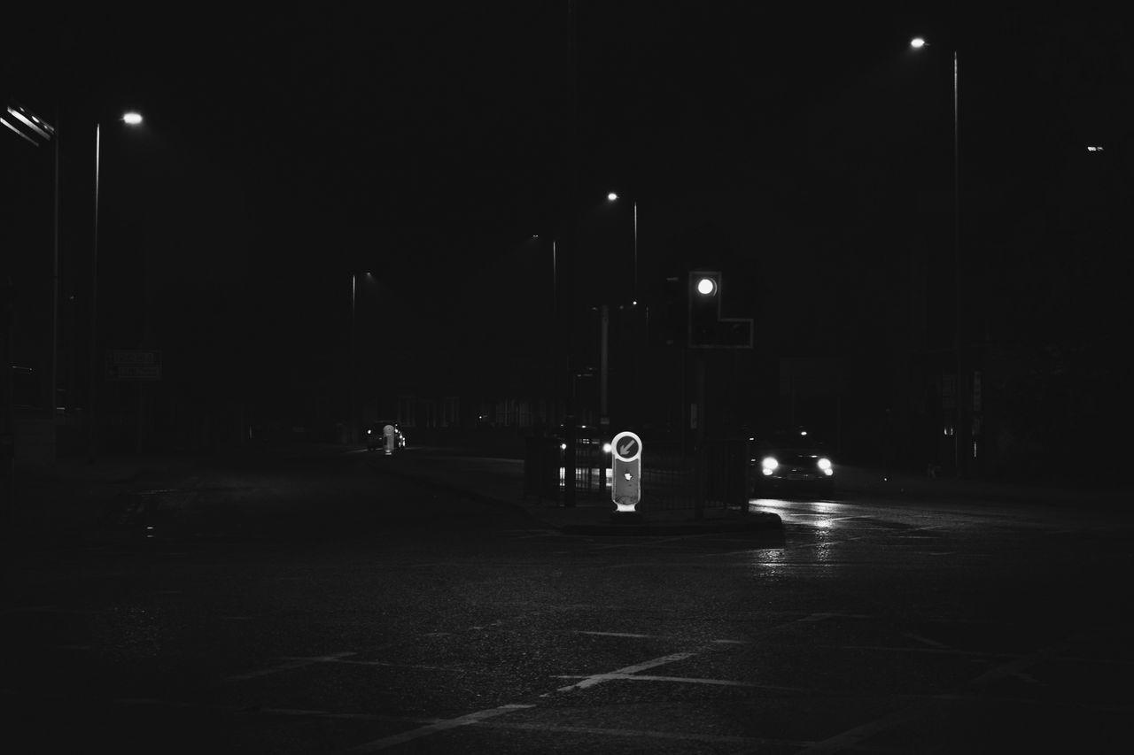 Blackandwhite Streetphotography Car Illuminated ISO Nikon Busy London