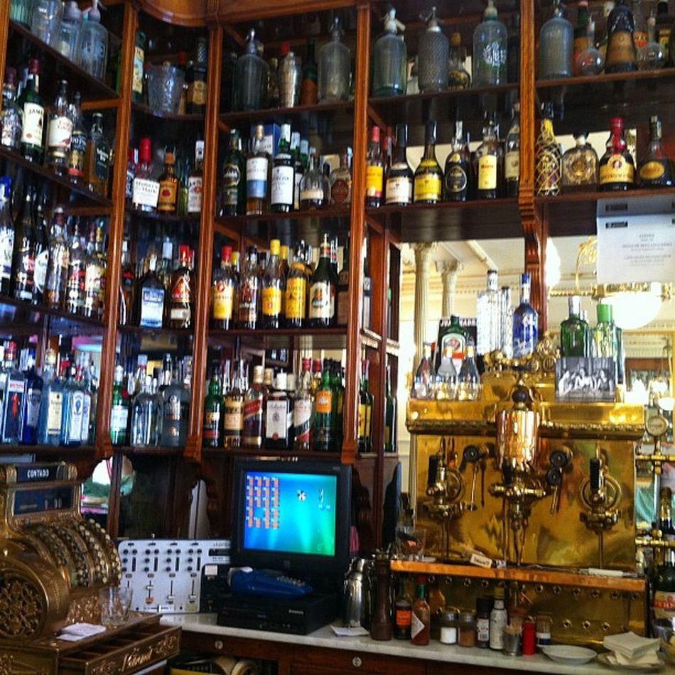 Cafe Manuela... Con mucho gusto y recordando mi infancia...