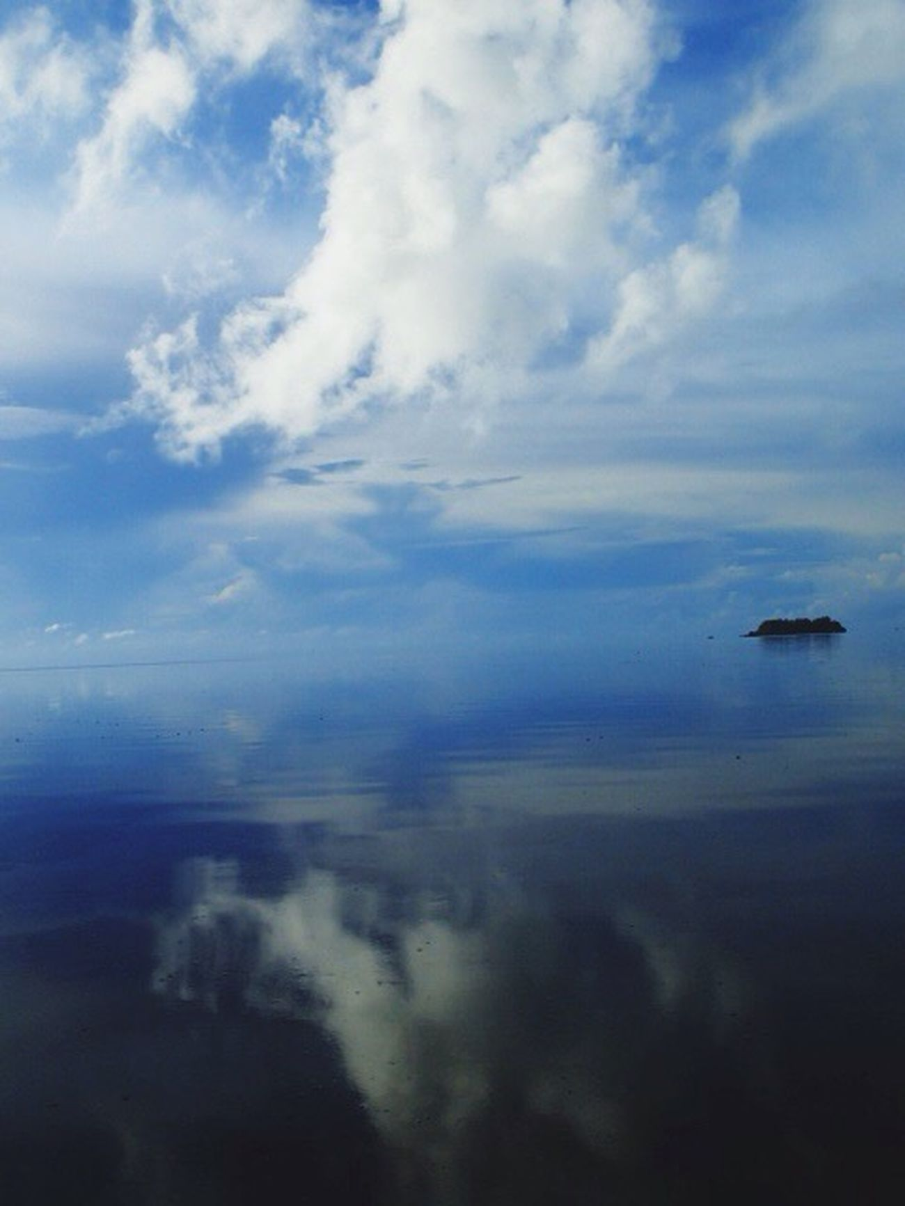 Clouds And Sky Water Reflections Ocean View Pacific Ocean Island View  REPUBLIC OF PALAU Ngercheu Carp Island Resort summer of 2014, early morning cruising on kayak drifting in the sea, where sky blends with sea , Palau, the rainbow's end ✌️
