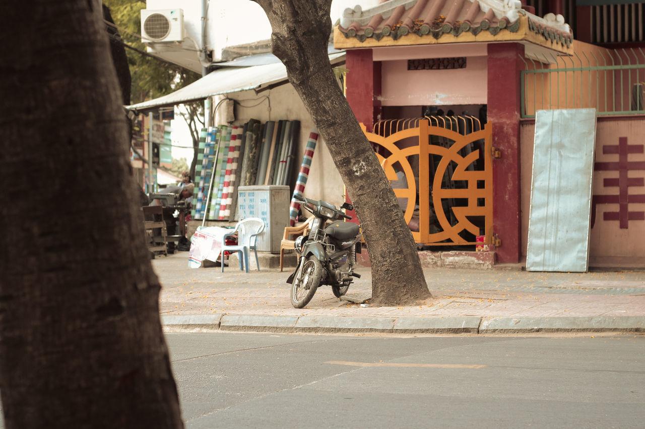 A lonely bike Bike Canon Photography Canon70d Ho Chi Minh City Mood Street Photography Transportation Vietnam