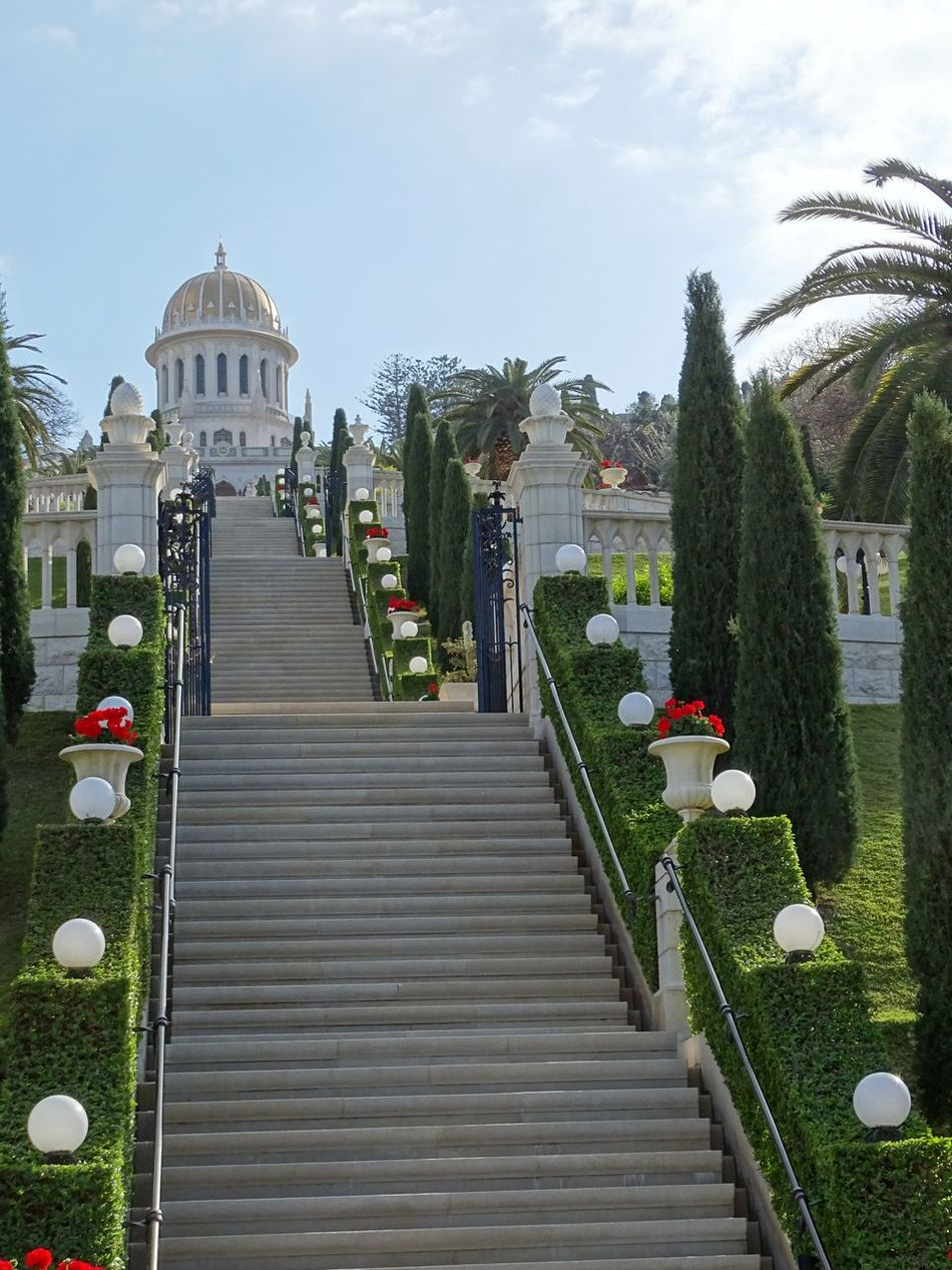 Ascending stairs in the park at Persian Bahai Gardens in Haifa, Israel Architecture City Day Dome No People Outdoors Religion Sky Bahai Bahai Religion Bahaism Bahai Temple Bahaigardens Bahai Gardens Haifa Haifa Israel Bahai_shrine Urban Skyline Stairs Palm Tree HaifaBay Mount Carmel
