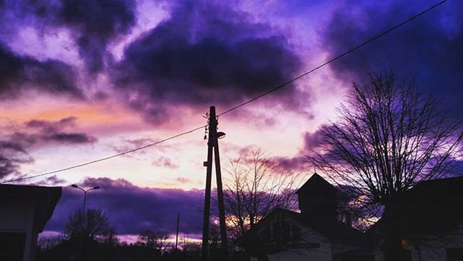 You Called Me Upon The Waters Cloud December Wednesday Christmas Holiday Purple Colours Cold Freezing Mellow Darkparadise Dundaga Latvija Instagram Oceans