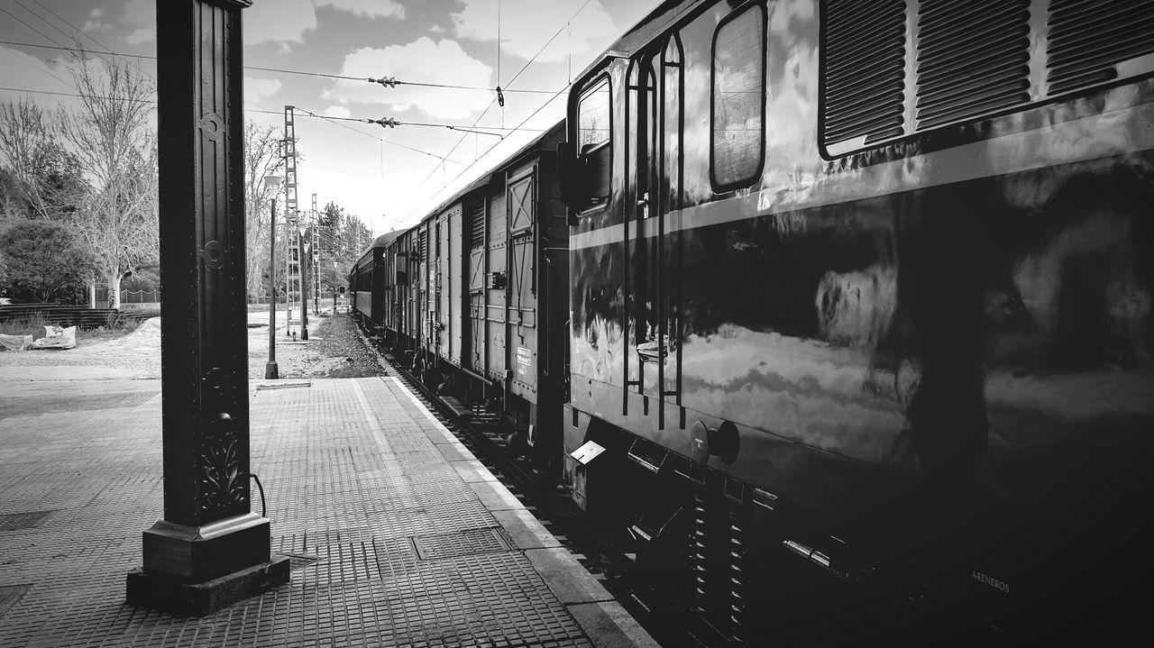 Train Train Station Srtreetphotography Life Lovephotography  Traveling Travel Madrid Green