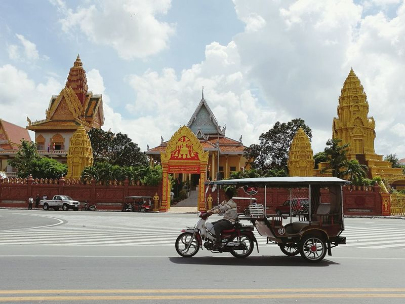 Temple in phnom pehn.Phnom Pehn, Cambodia Temple - Building History Religion Travel Architecture Royalty Transportation Tuk Tuk In Phnompenh